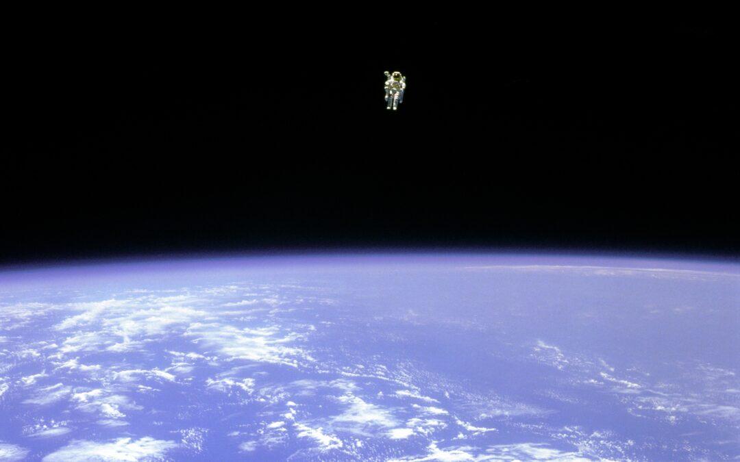 L'astronauta. Un estratto dal Libro del Sole